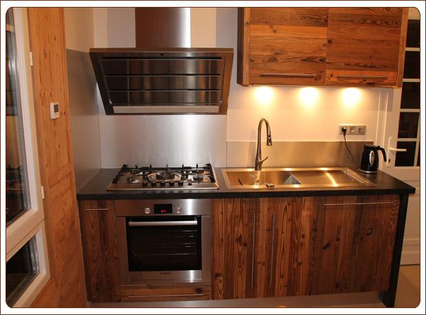 Cuisine moderne vieux bois ~ Outil intéressant votre maison # Cuisine Vieux Bois
